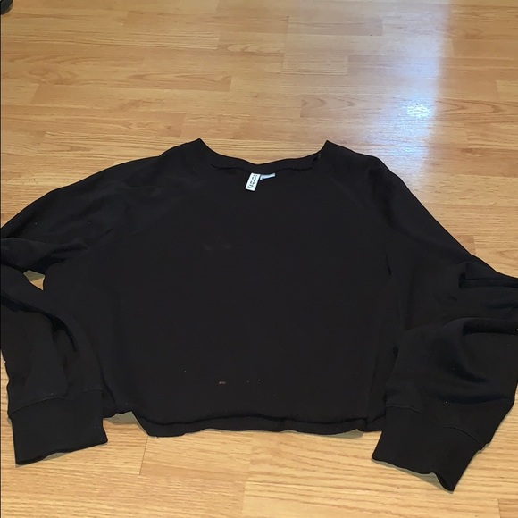 H&M Tops - Black crop hoody